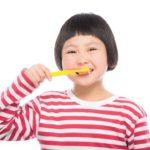 市販の子供用歯磨き粉って安全なの?口ゆすぎが出来ない子供はどうすればいい?