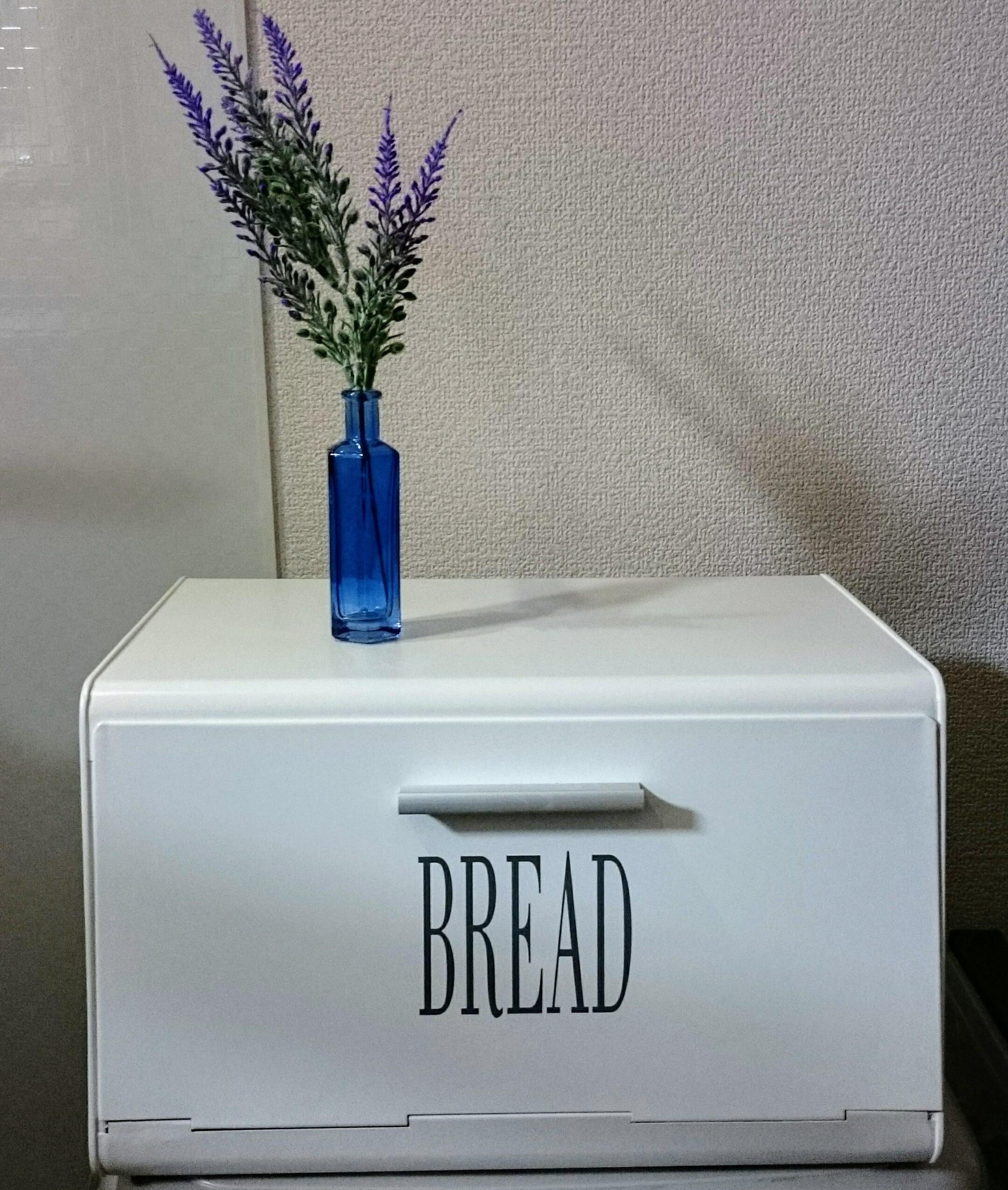 キッチン回りが劇的に変わった!調味料入れにニトリのブレッドケース