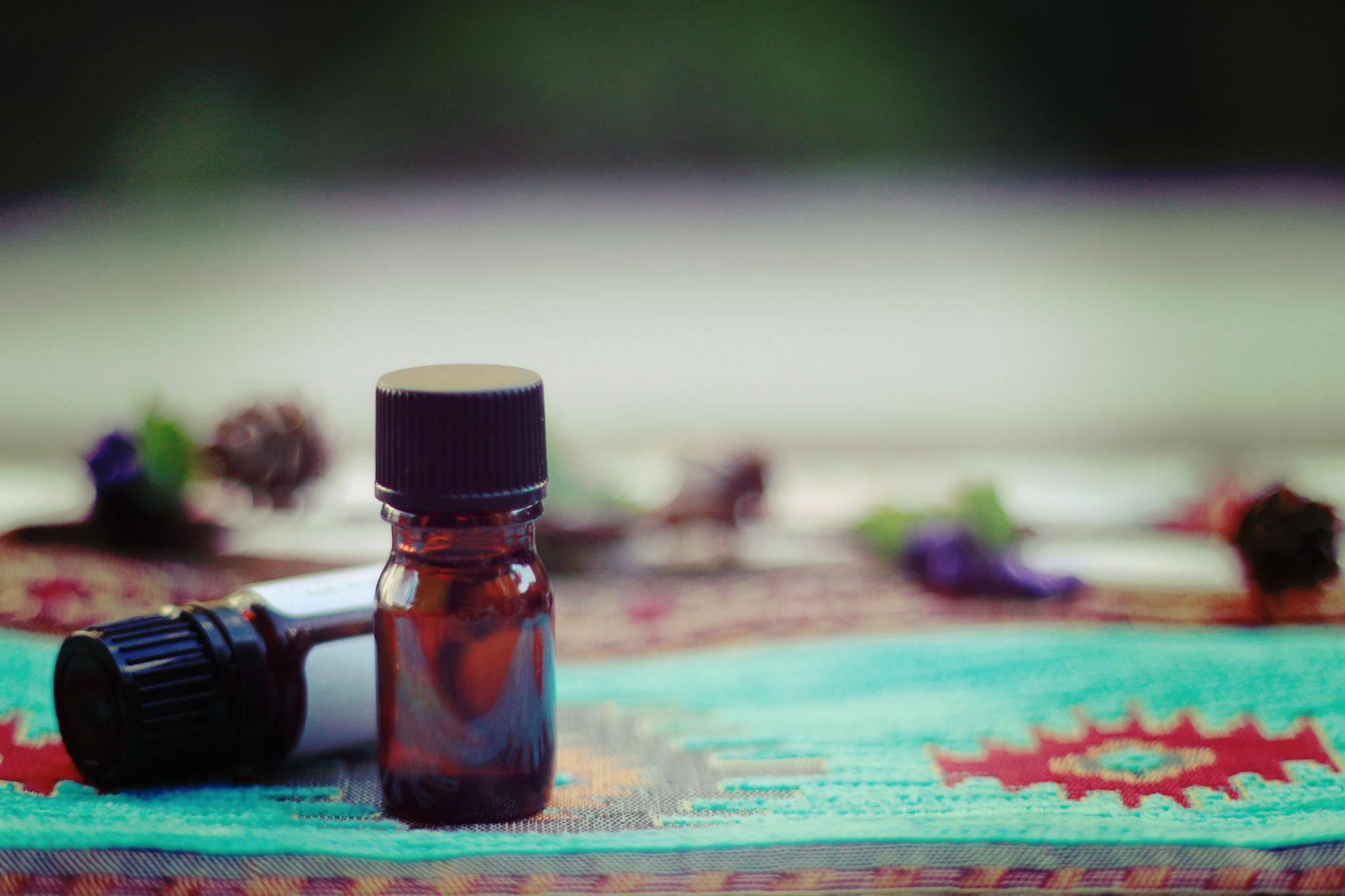 香りを持ち歩こう。かわいいアロマペンダントで気分を上げつつ認知症対策!