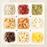 甘いお菓子の代わりに栄養豊富なミックスナッツを食べよう!